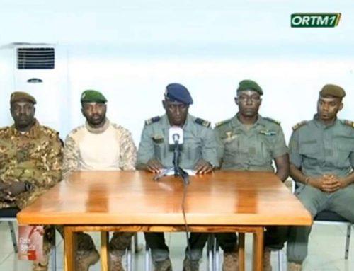 MALI: la junte militaire malienne libère deux détenus, l'ONU rencontre le président déchu