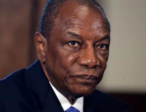 Coup d'État en Guinée: la prévisible chute du président Alpha Condé